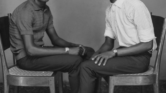 Rare portraits reveal Nigeria's young and fashionable elite on the rise in the 20th century.