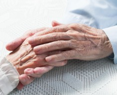 old-couple-hands