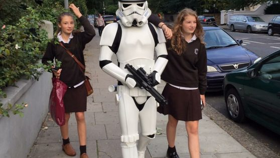 Jamie Oliver does the school run dressed as a Stormtrooper!