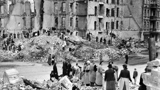 Trümmerfrauen: The 'Rubble Women' With Steely Determination