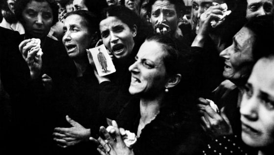 An Outpouring Of Grief For The Four Days Of Naples Uprising